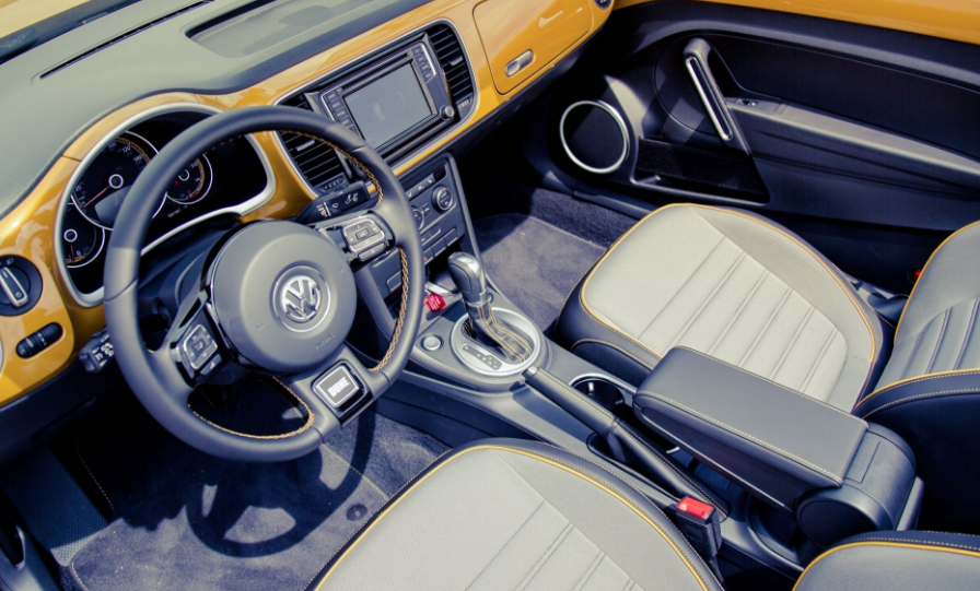 2018 VW Beetle Dune Interior