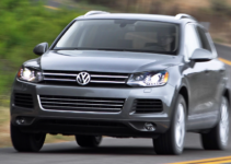 2011 Volkswagen Touareg Owners Manual and Concept