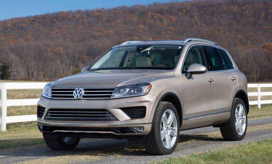 2017 Volkswagen Touareg Owners Manual and Concept