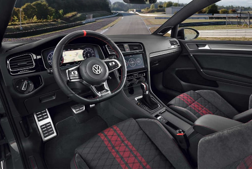 2019 Volkswagen Golf Interior